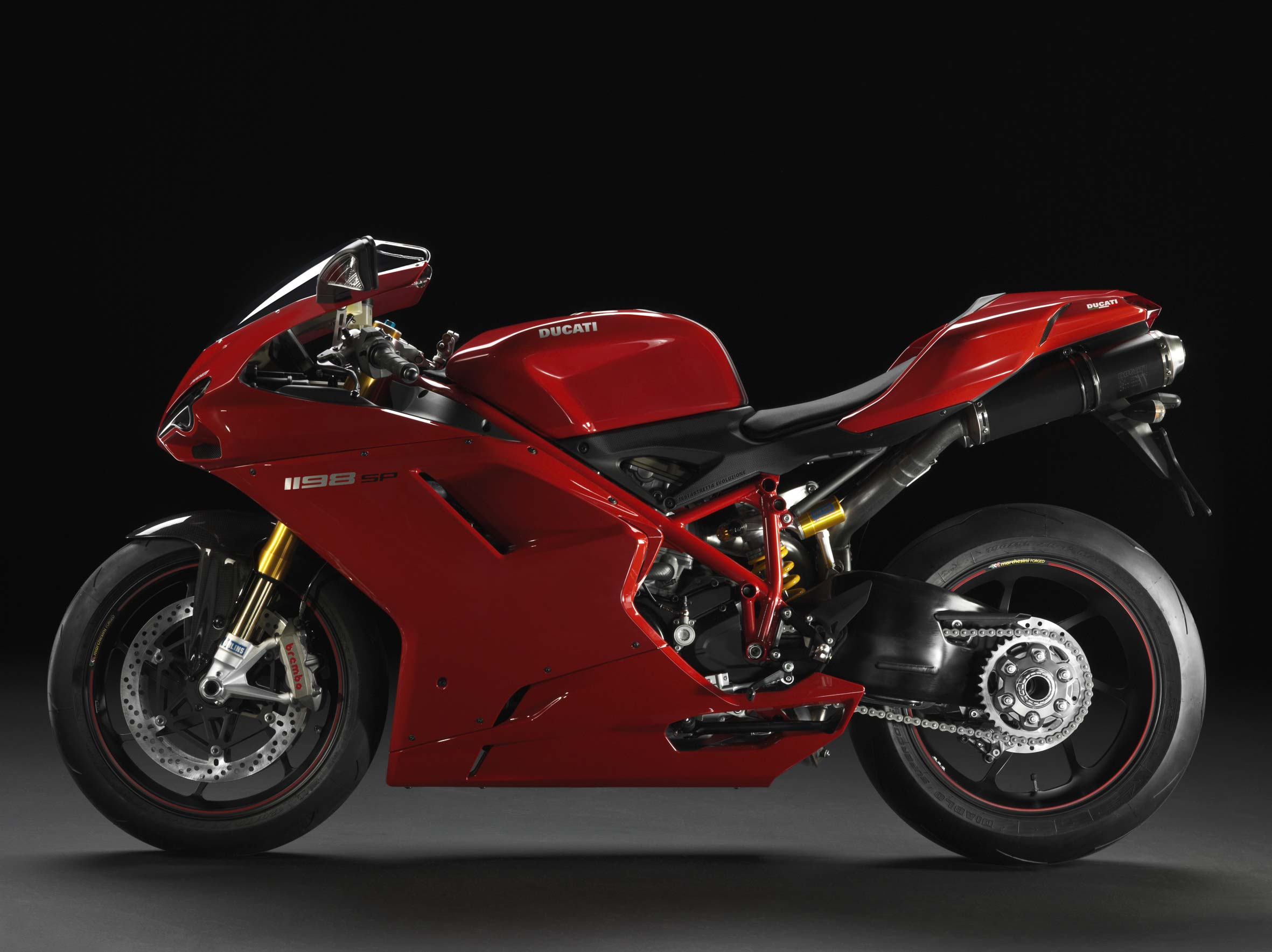 2011 ducati superbike 1198 sp replaces ducati s middle