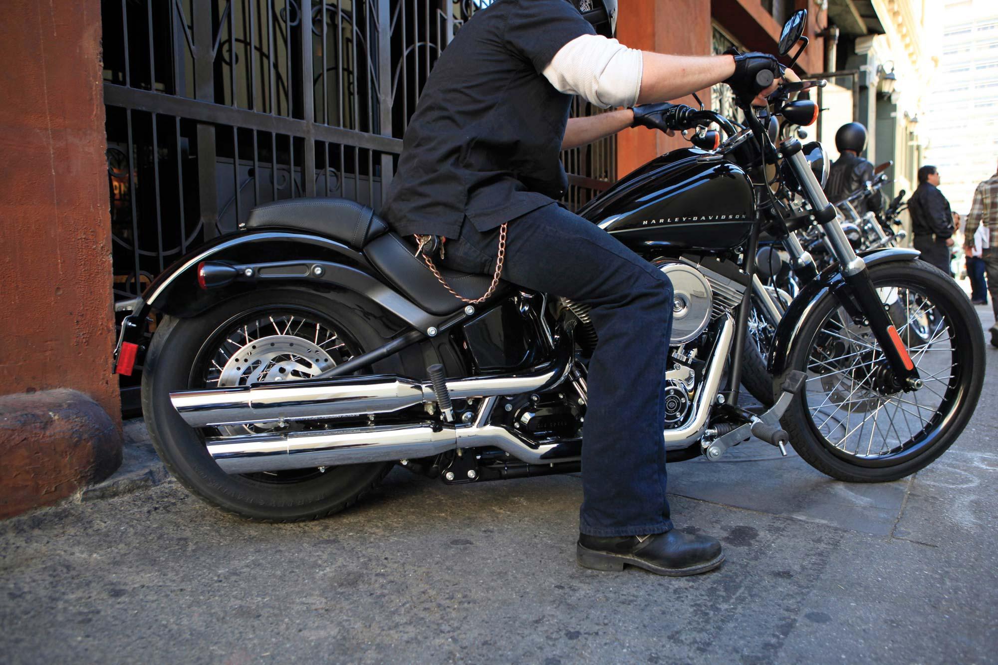 2011 Harley-Davidson Blackline - Asphalt & Rubber
