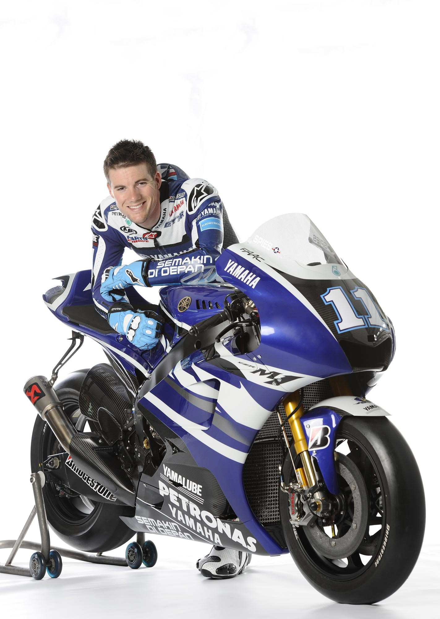 Yamaha 39 s 2011 motogp livery unveiling asphalt rubber for Yamaha racing team