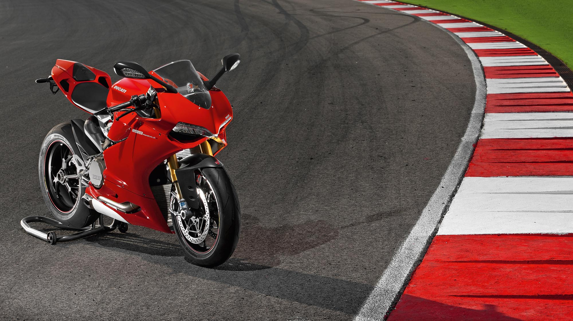 2012 Ducati 1199 Panigale Redefines The Word Superbike | 2016 Car ...