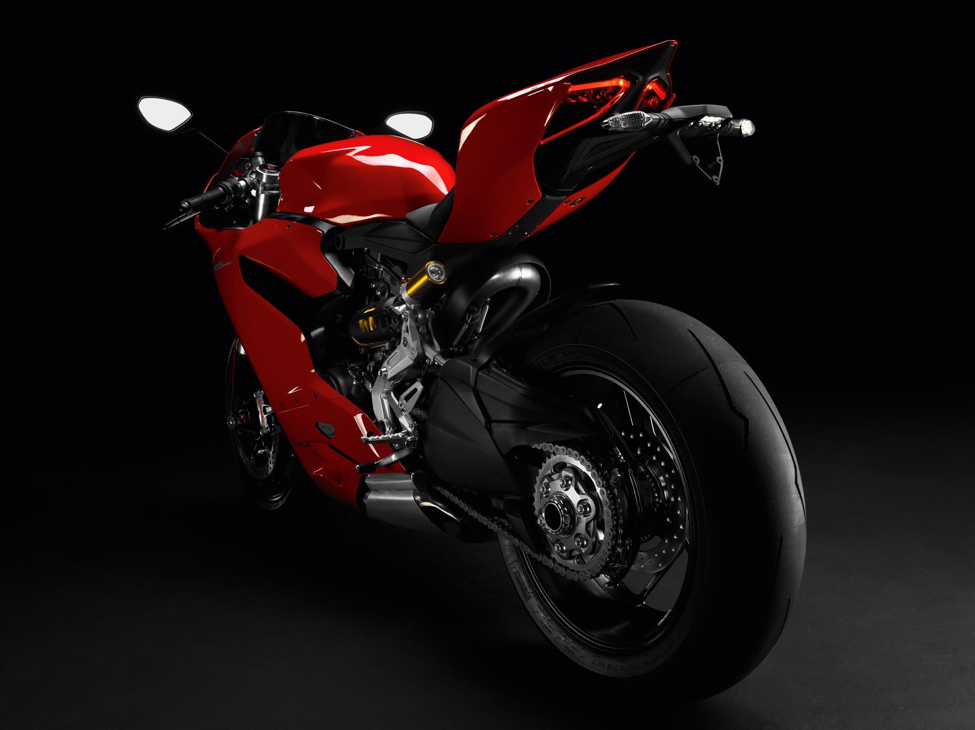 2012 ducati 1199 panigale redefines the word 'superbike' - asphalt