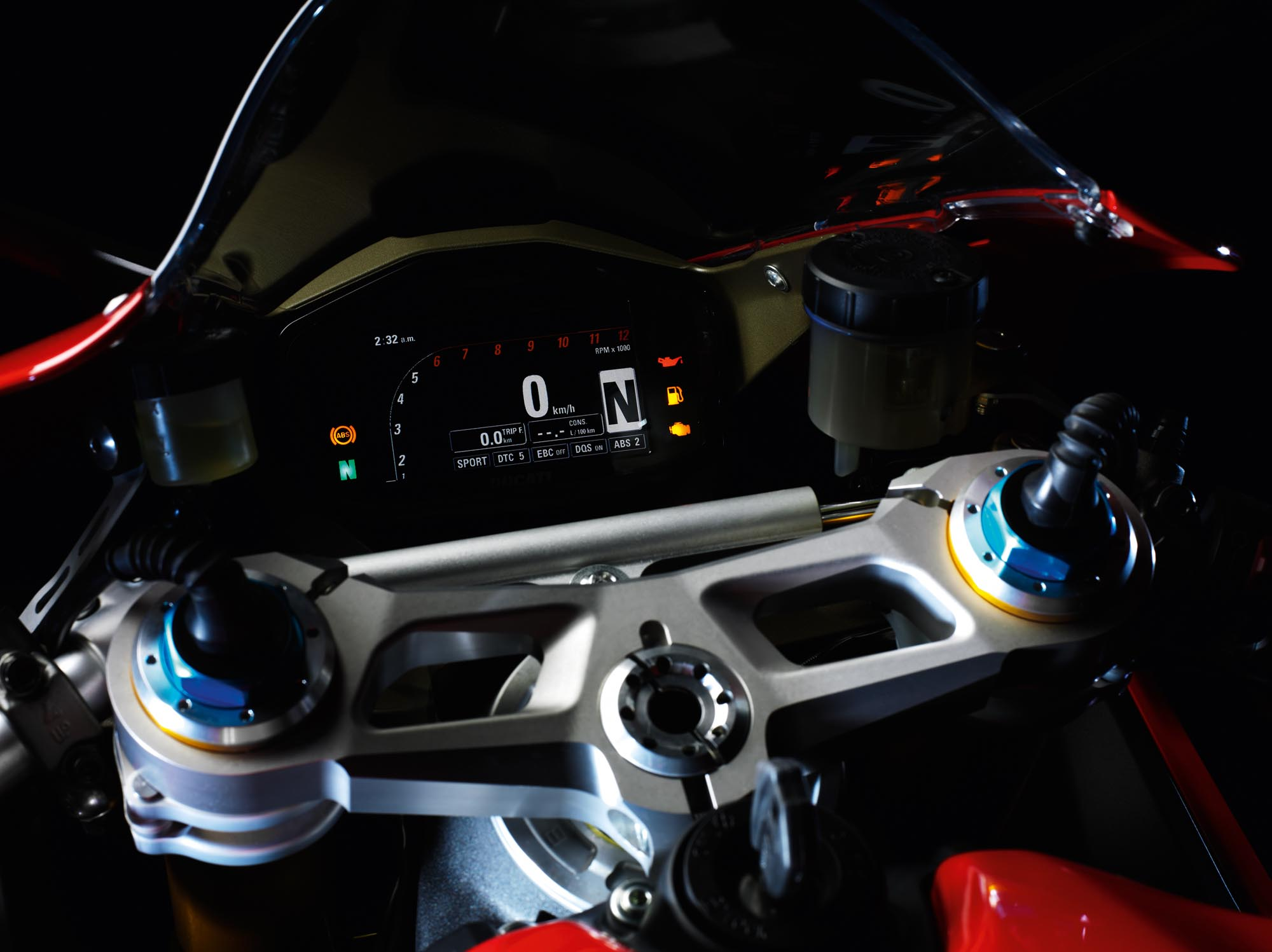 http://www.asphaltandrubber.com/wp-content/gallery/2012-ducati-1199-panigale/2012-ducati-1199-panigale-30.jpg