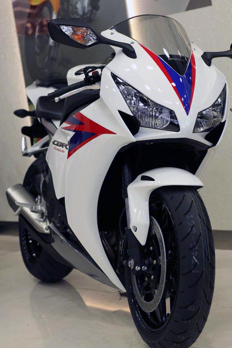 LEAKED: 2012 Honda CBR1000RR
