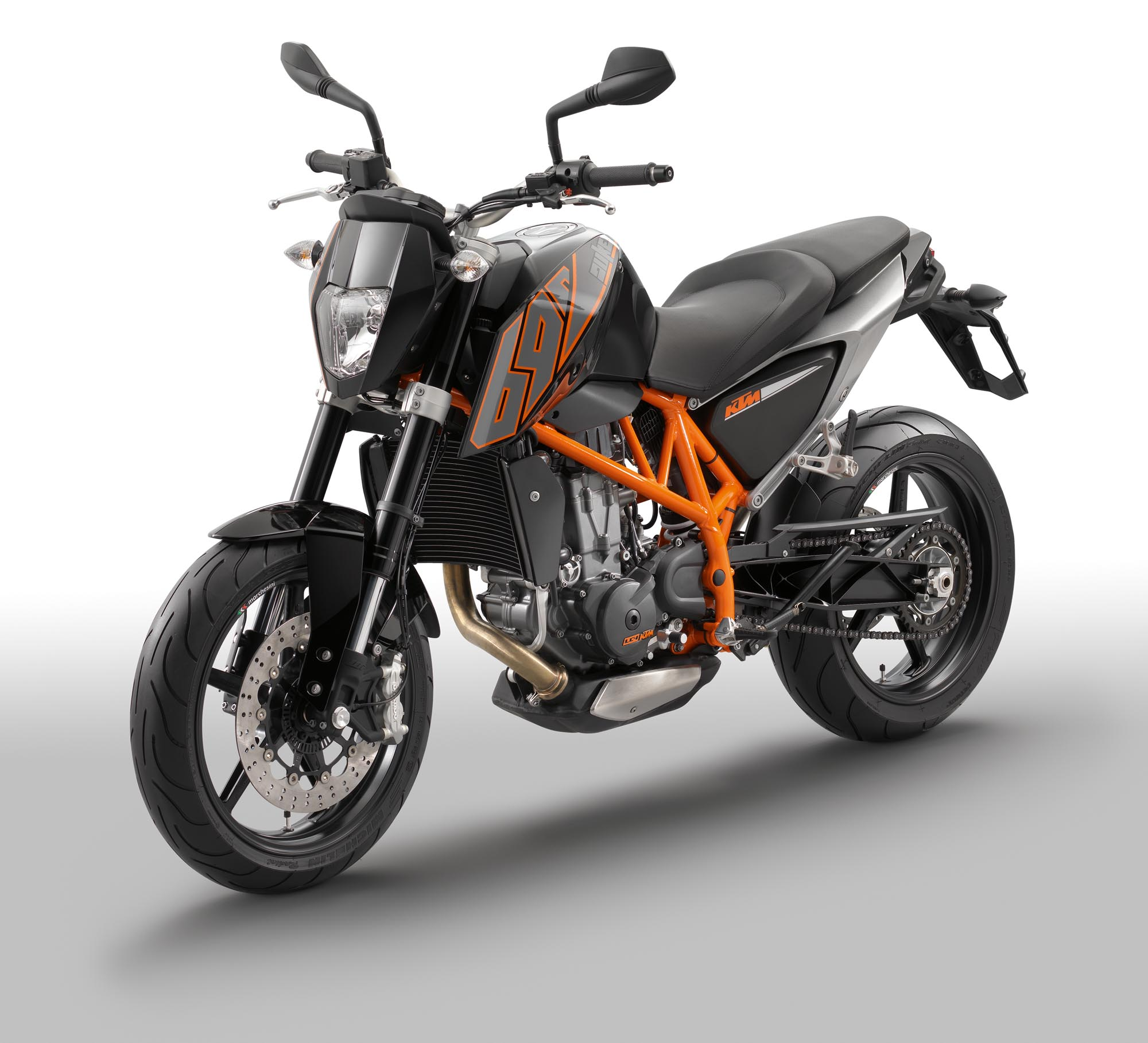 2012 ktm 690 duke cheaper more powerful abs asphalt rubber. Black Bedroom Furniture Sets. Home Design Ideas