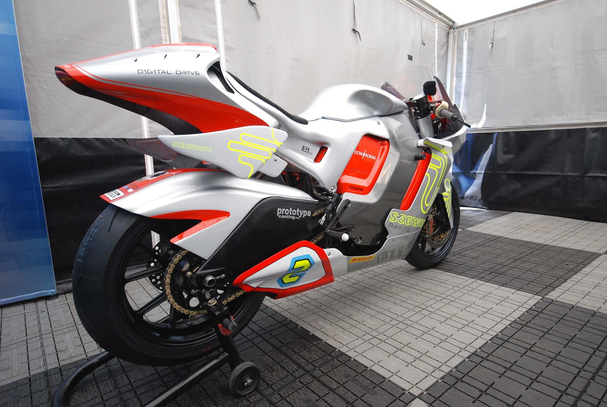 TT Ile de Man 2012-motoczysz-e1pc-iomtt-pit-05
