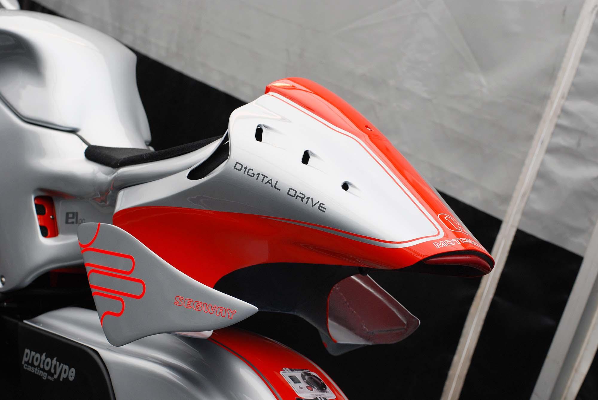 TT Ile de Man 2012-motoczysz-e1pc-iomtt-pit-09