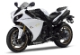2012-yamaha-yzf-r1-eu-competition-white-studio-007