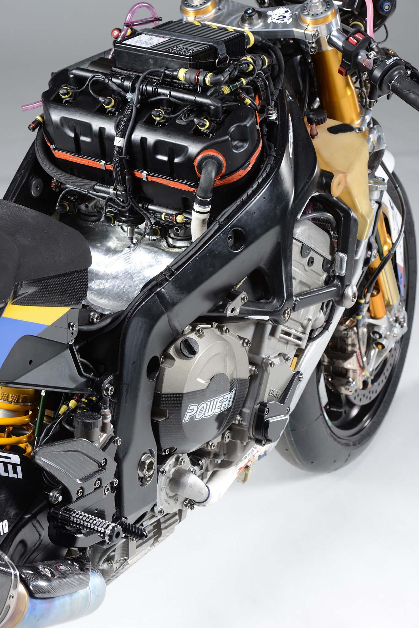 XXX: BMW Motorrad GoldBet WSBK-Spec S1000RR - Asphalt & Rubber