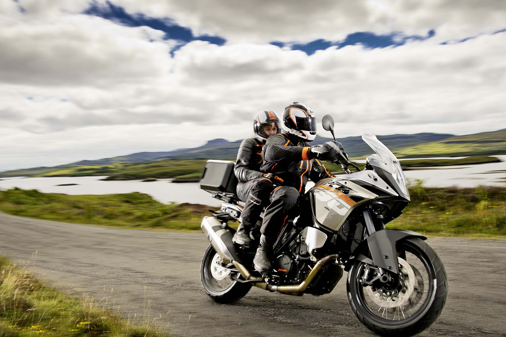 35 Photos of the KTM 1190 Adventure - Asphalt & Rubber