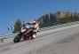 2013-ktm-690-duke-action-12