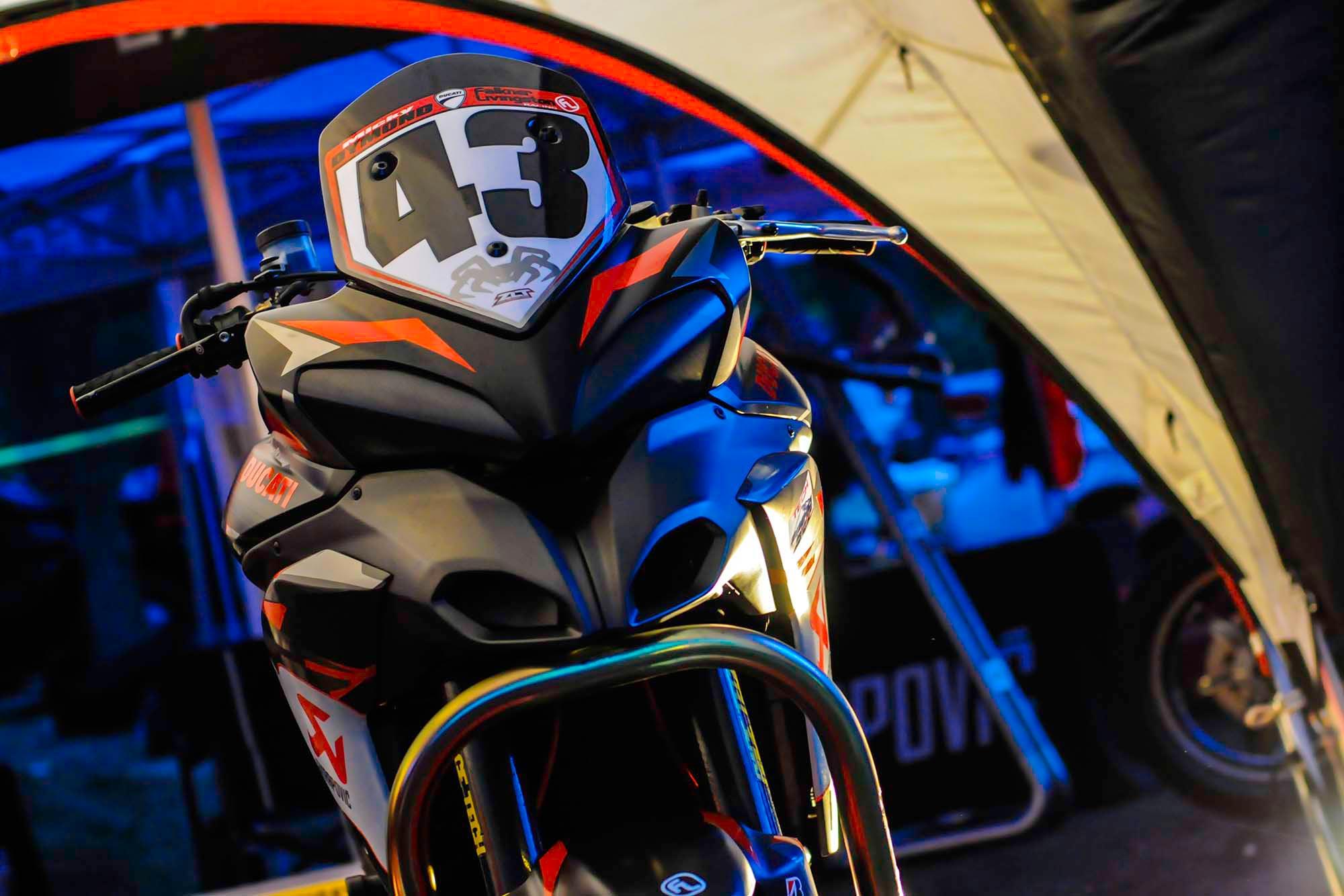 spider-grips-ducati-multistrada-1200-s-pikes-peak-race-bike-02.jpg
