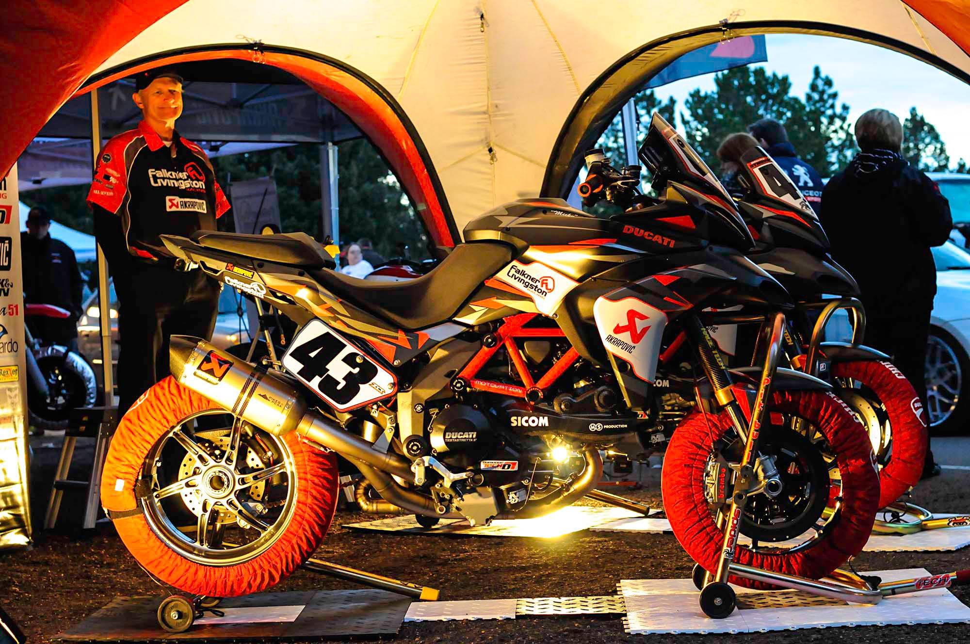 spider-grips-ducati-multistrada-1200-s-pikes-peak-race-bike-03.jpg