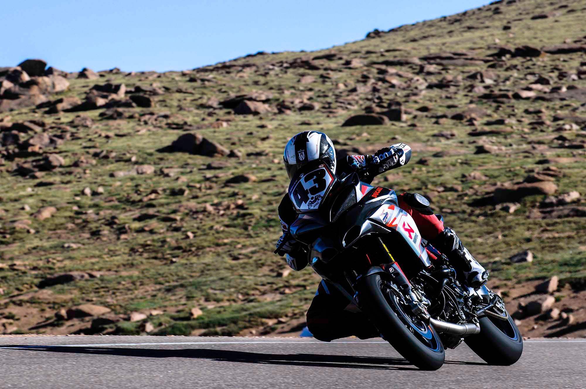 spider-grips-ducati-multistrada-1200-s-pikes-peak-race-bike-29.jpg