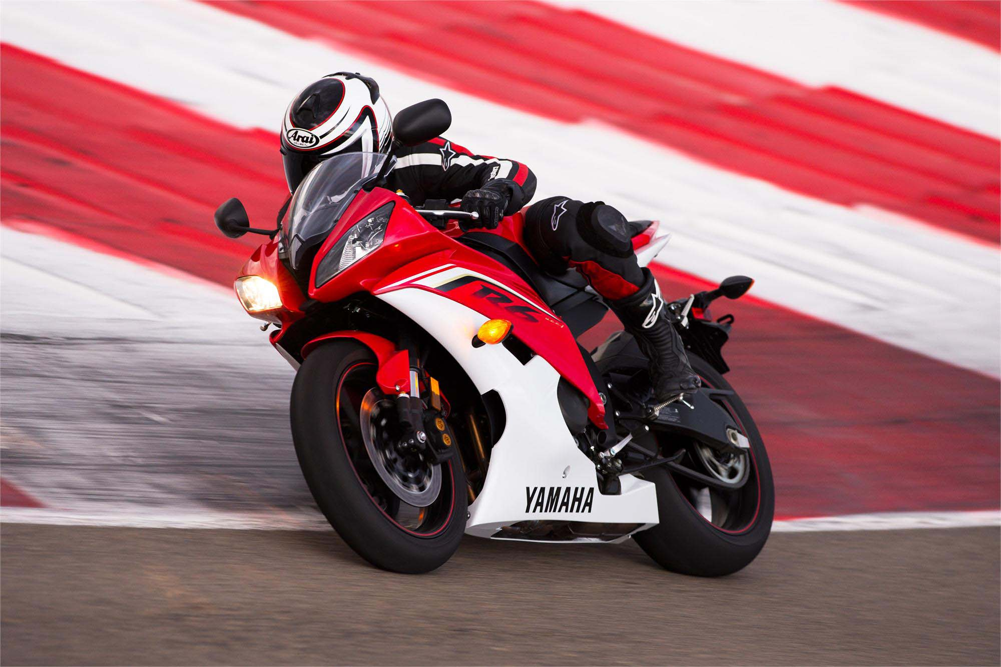 and here is the 2013 yamaha yzfr6 asphalt amp rubber