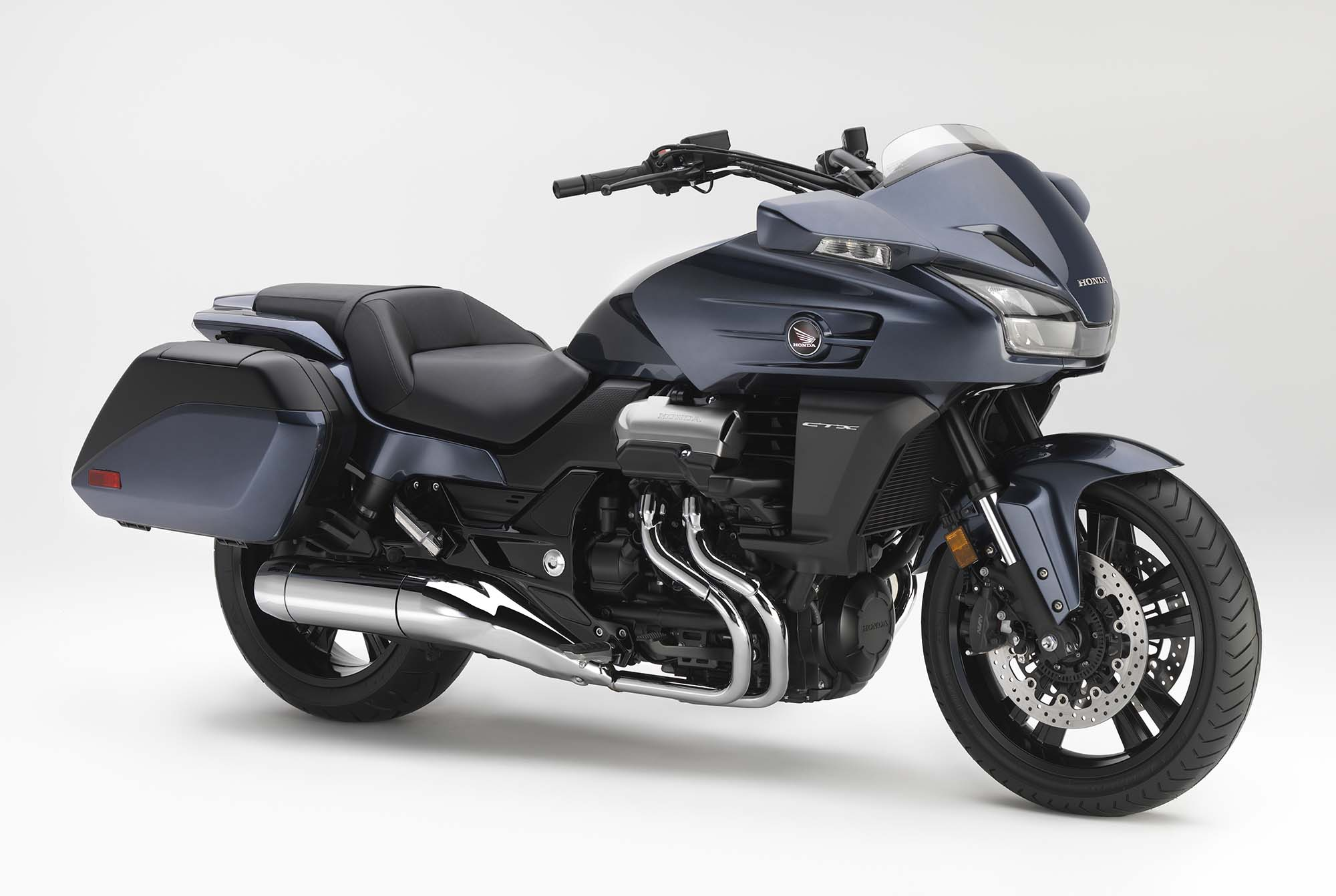 2014 honda ctx1300 not your father 39 s bagger asphalt. Black Bedroom Furniture Sets. Home Design Ideas
