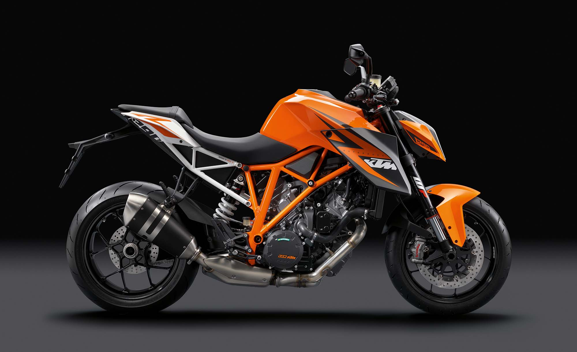 video the genesis of the ktm 1290 super duke r asphalt