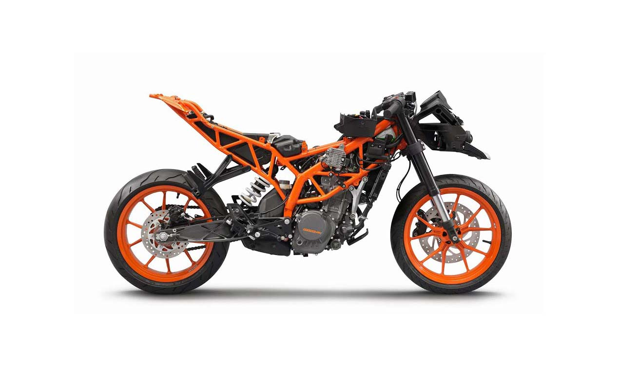First Photos of the KTM RC125 & KTM RC200 - Asphalt & Rubber