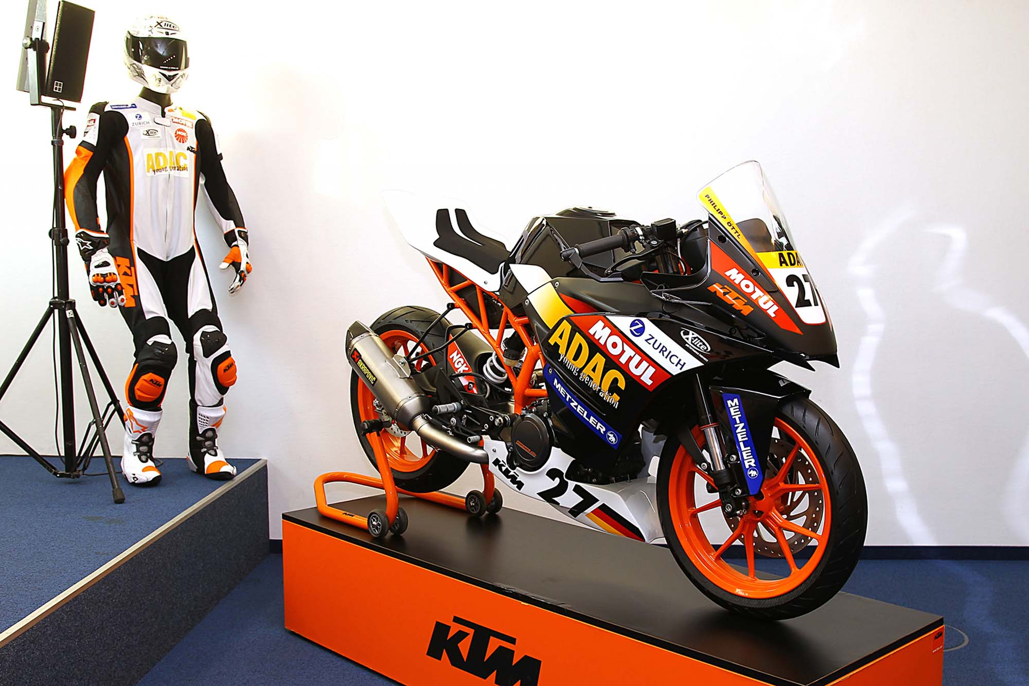 2014 KTM RC390 Cup - A Glimpse of What's to Come - Asphalt ...