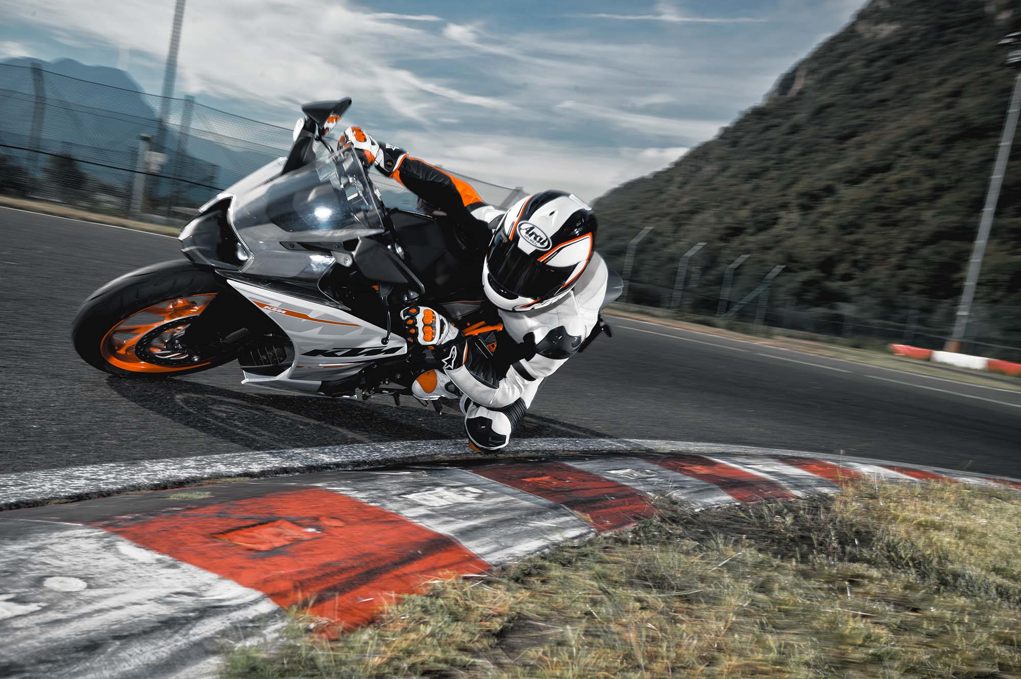 Officially Official 2014 Ktm Rc390 Asphalt Rubber