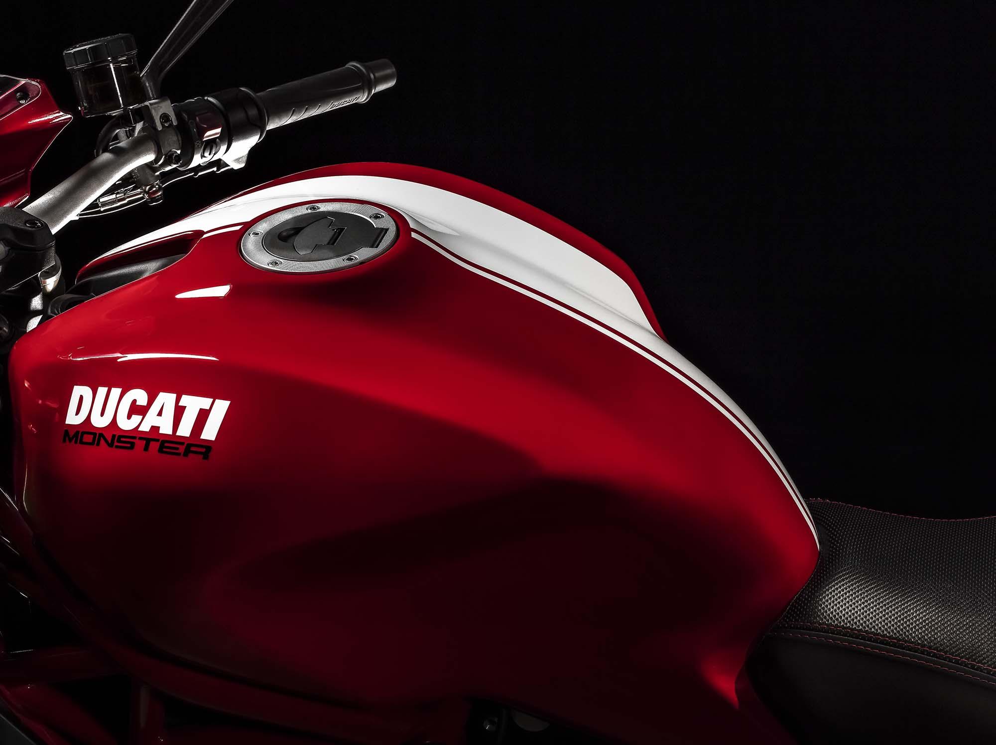 2015-ducati-monster-1200-s