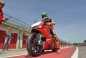 2015-Ducati-Panigale-R-Davide-Giugliano-08.jpg