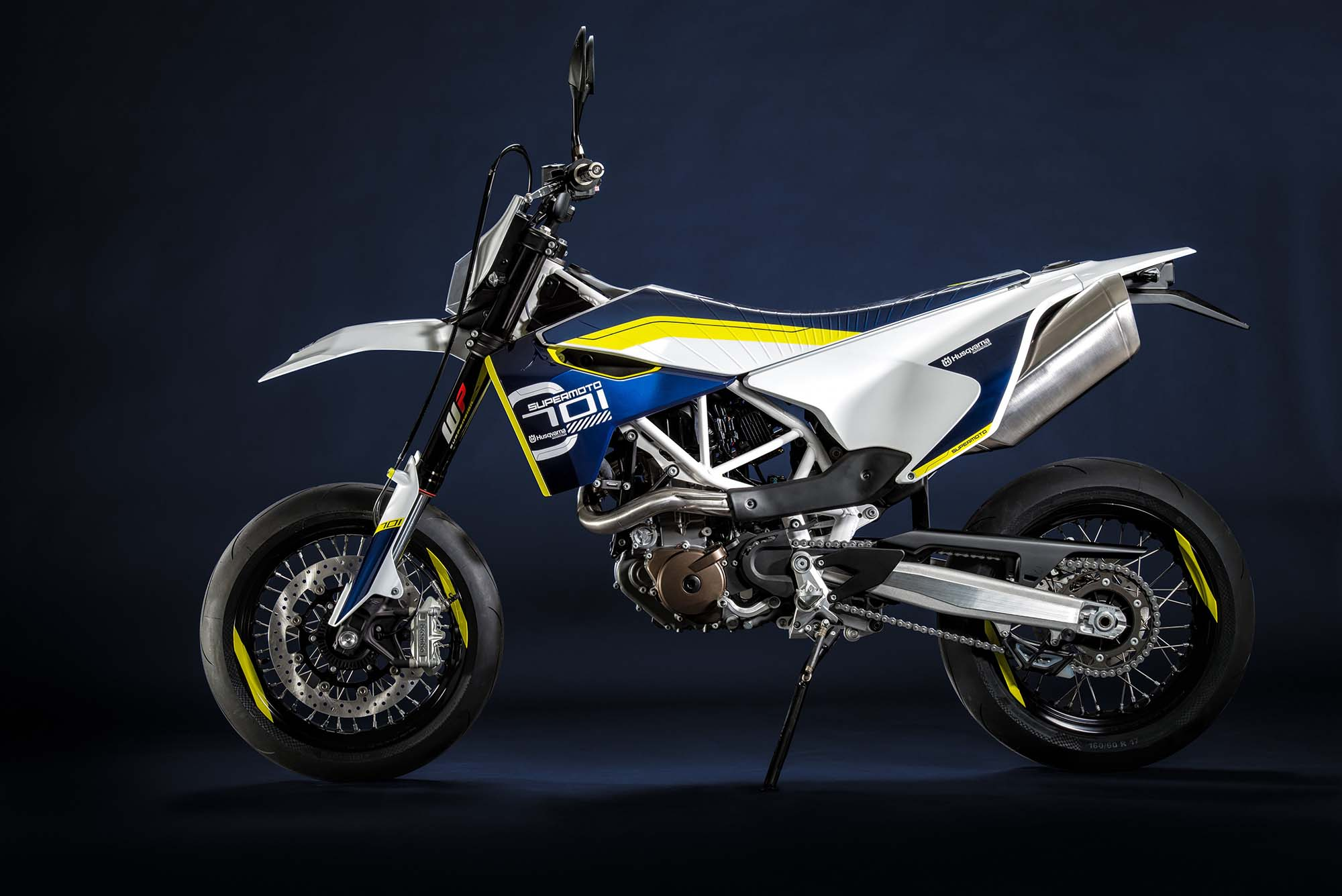 2016 husqvarna 701 supermoto 690cc of street hooligan for Accessoire deco