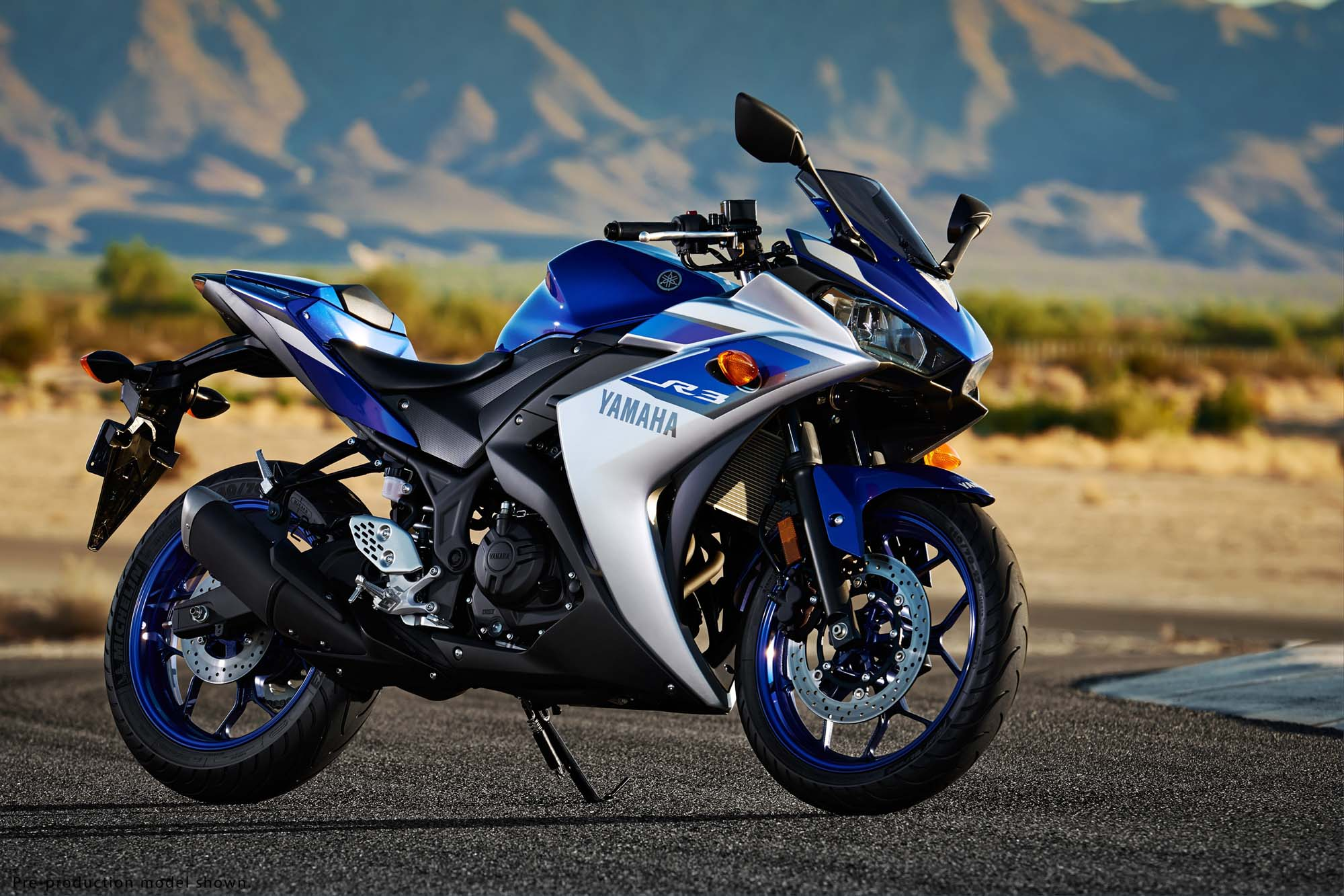 yamaha yzf r3 revealed   321cc twin coming to the usa   asphalt amp rubber