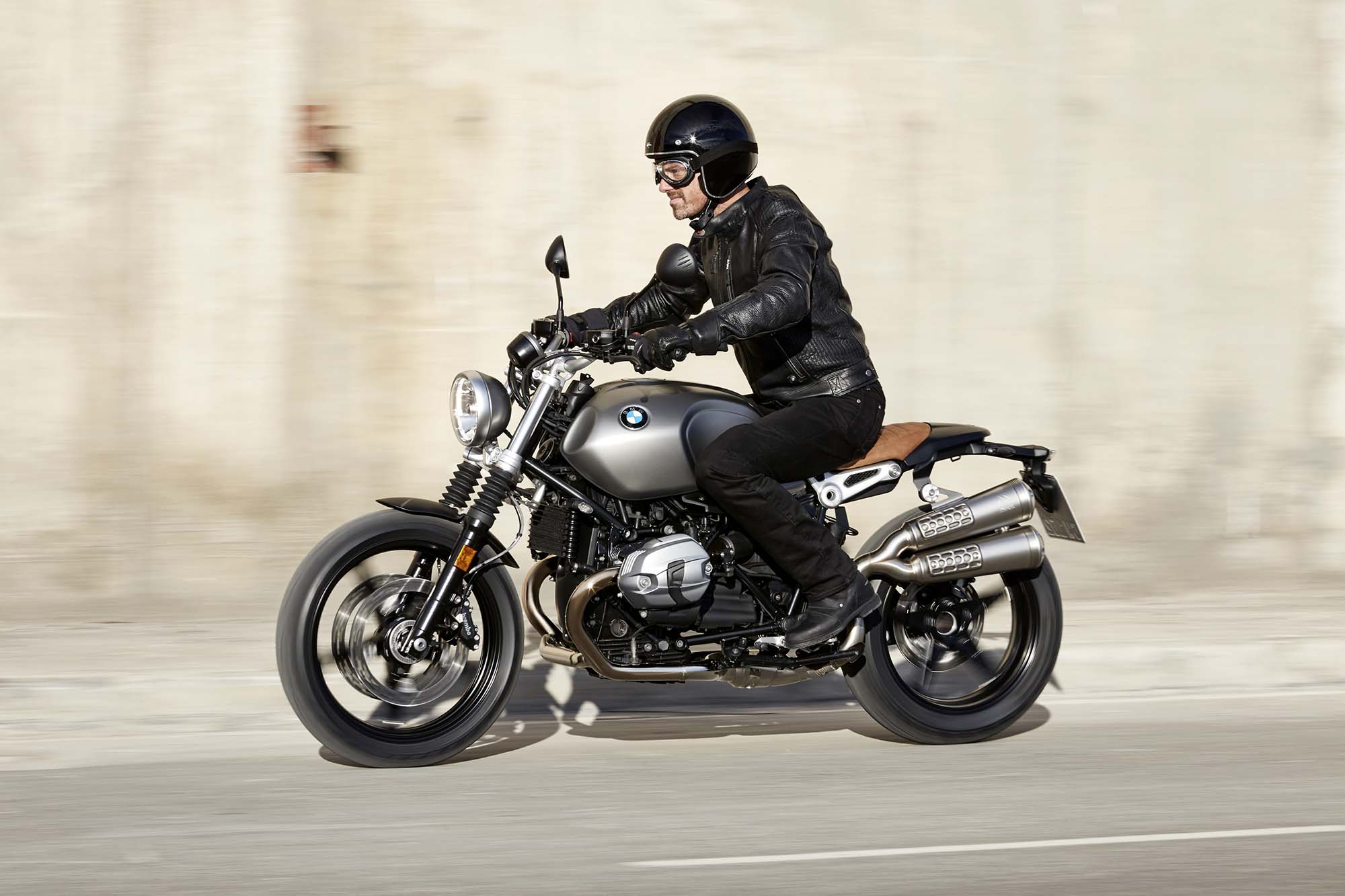 bmw r ninet scrambler mega gallery. Black Bedroom Furniture Sets. Home Design Ideas