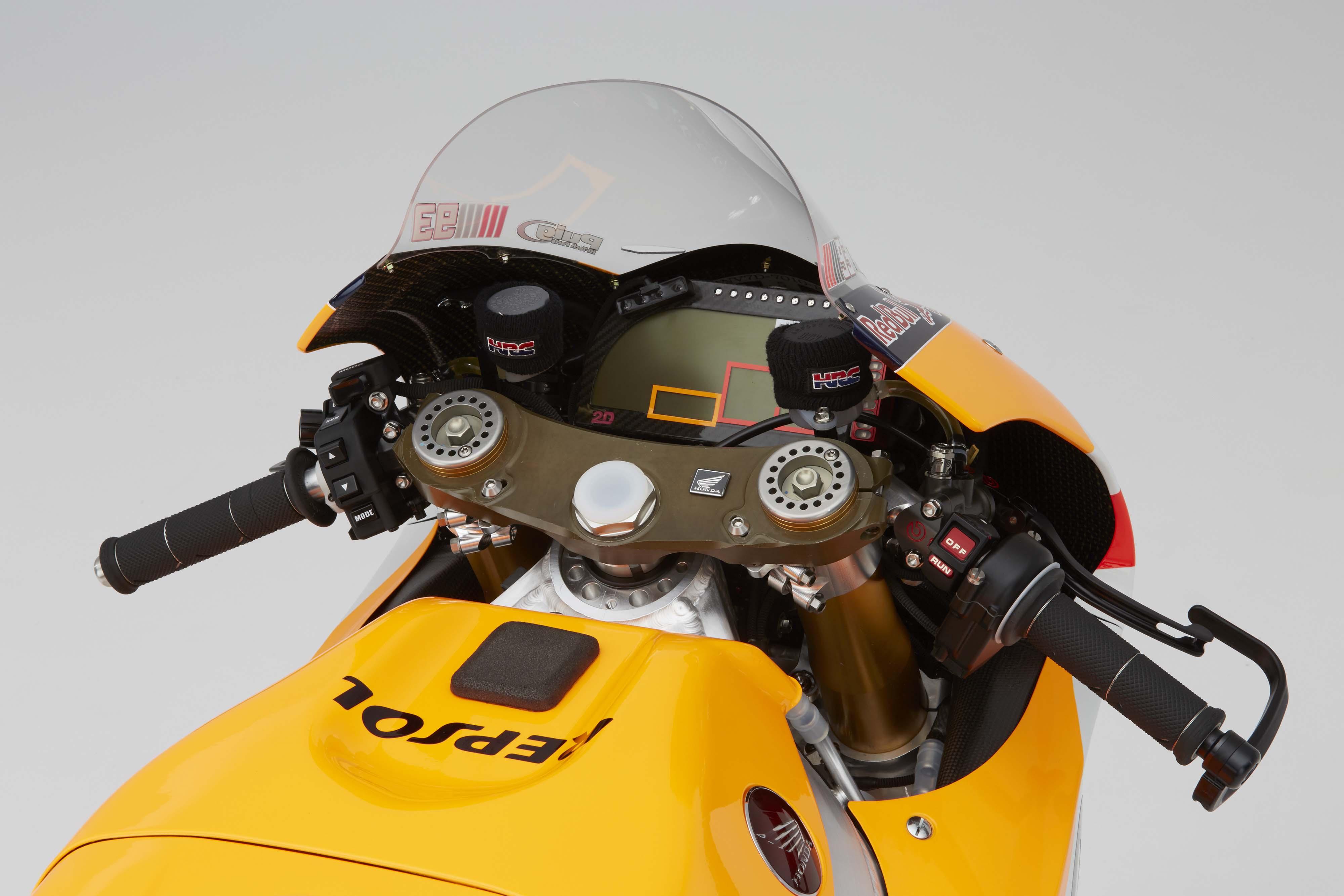 2016 Honda RC213V - Asphalt & Rubber