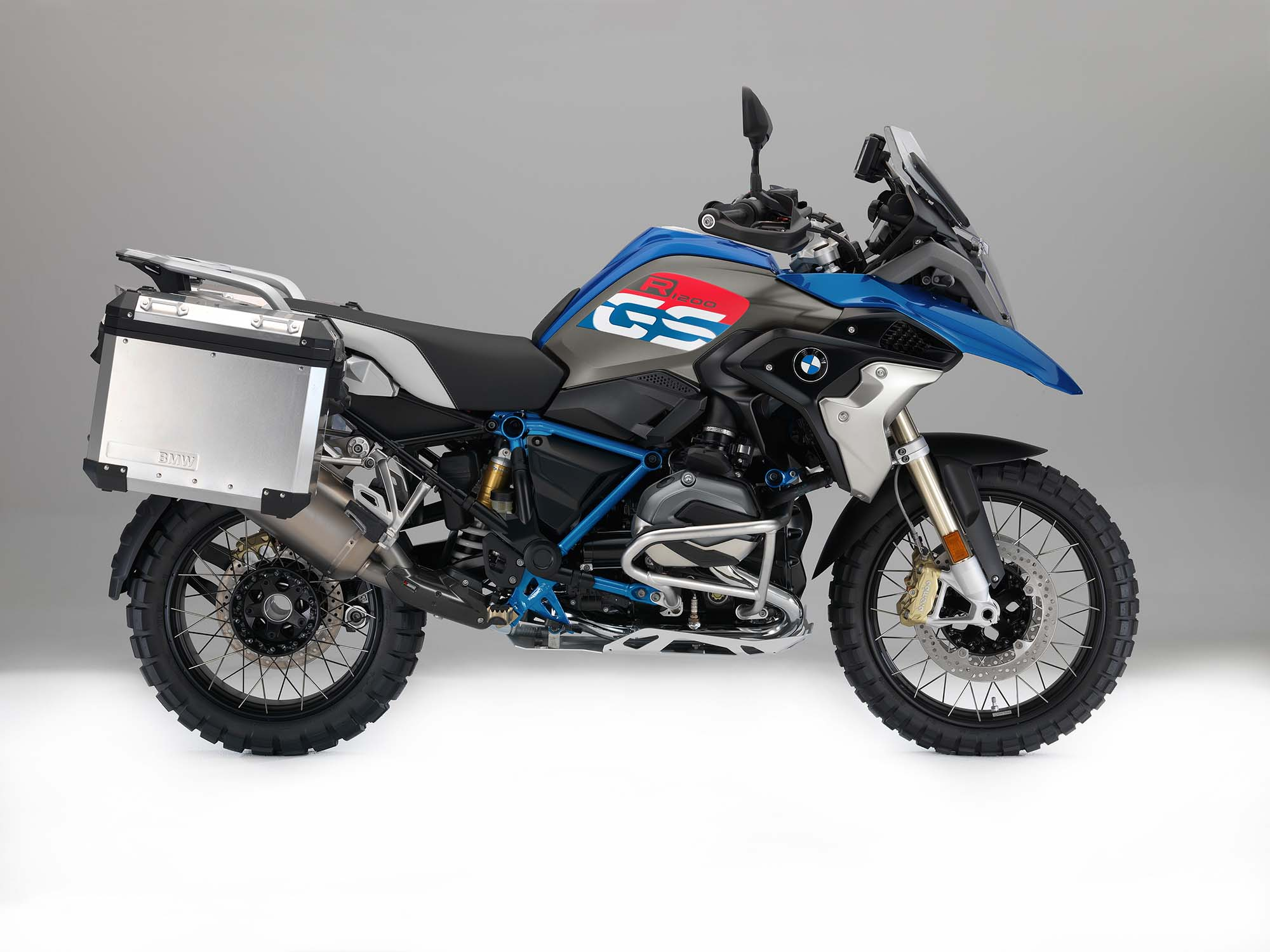 2017 bmw r1200gs gets upgrades and a little rallye. Black Bedroom Furniture Sets. Home Design Ideas