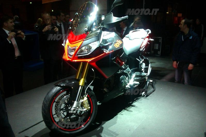 [Bild: 2013-aprilia-caponord-1200-moto-1.jpg]