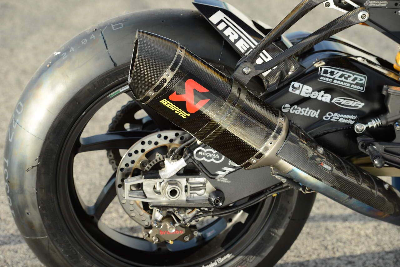 ride review the 2012 bmw world superbike race bikes asphalt rubber. Black Bedroom Furniture Sets. Home Design Ideas