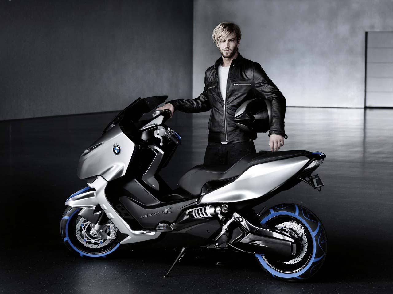 bmw concept c making scooters look cool asphalt rubber. Black Bedroom Furniture Sets. Home Design Ideas