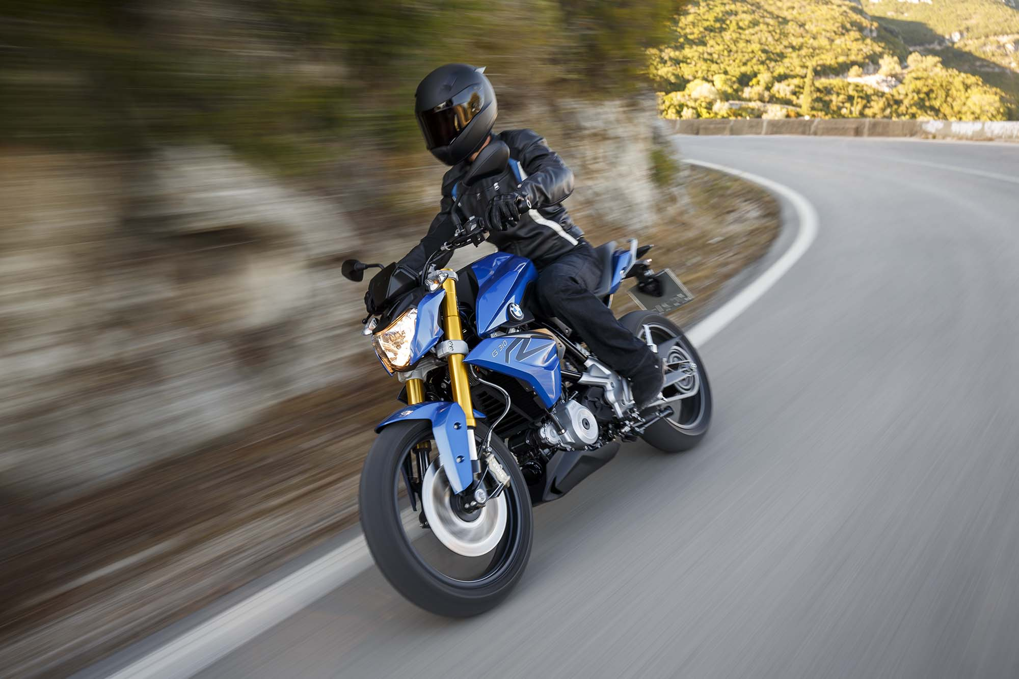 2016 bmw g310r debuts for new riders. Black Bedroom Furniture Sets. Home Design Ideas
