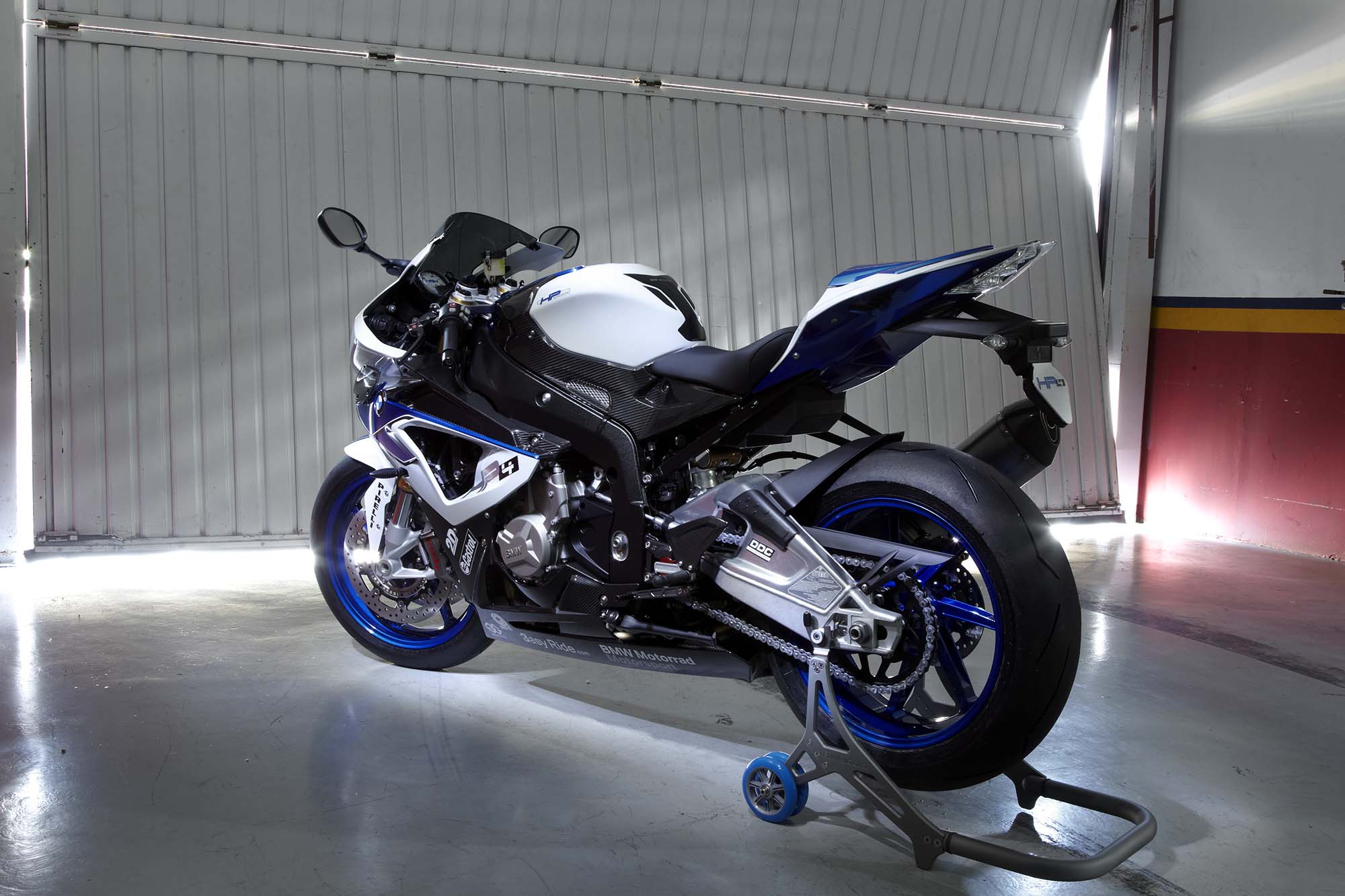 BMW HP4 - Your Track-Tuned BMW S1000RR - Asphalt & Rubber