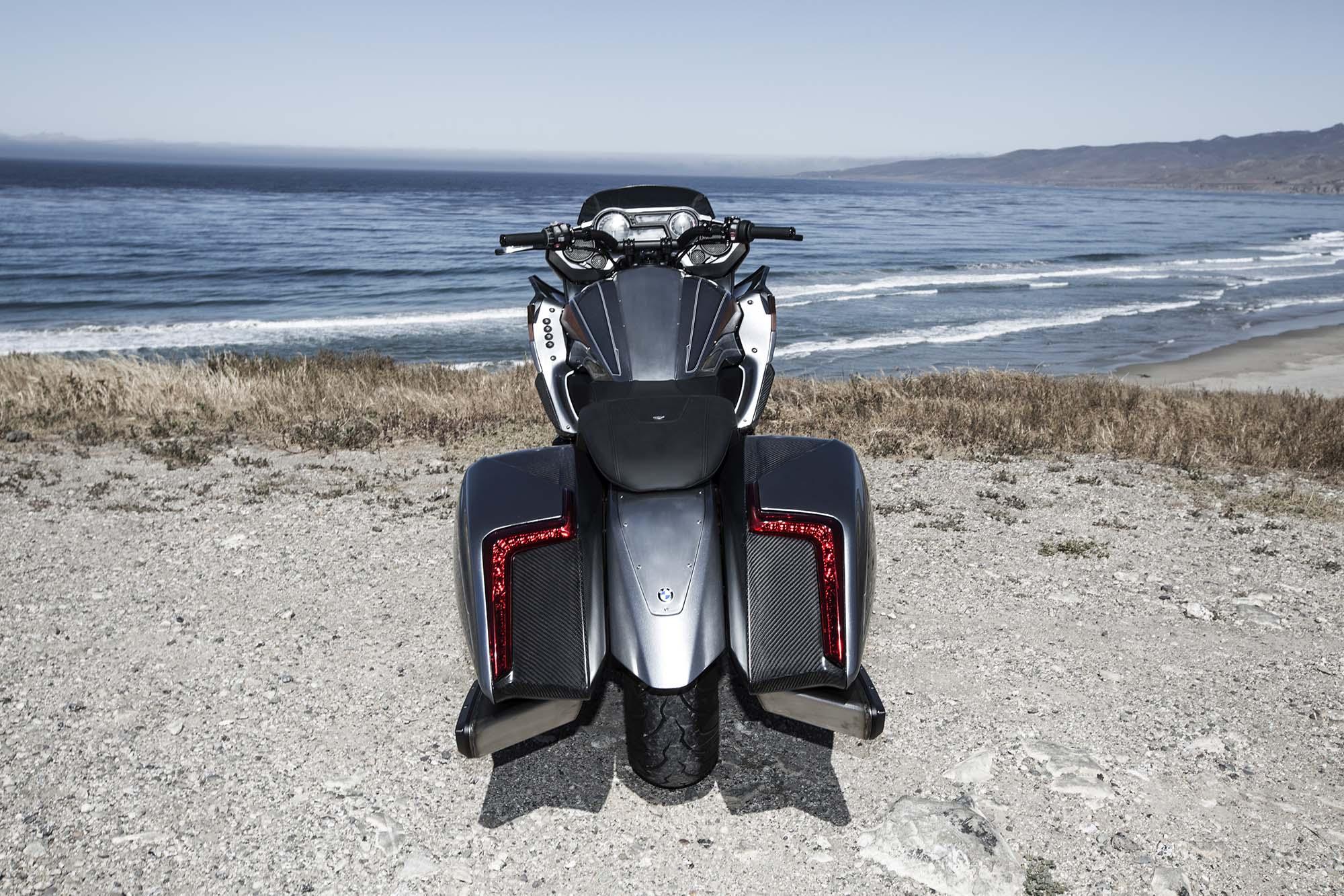 BMW Motorrad Concept 101 - Six Cylinders of Bagger - Asphalt