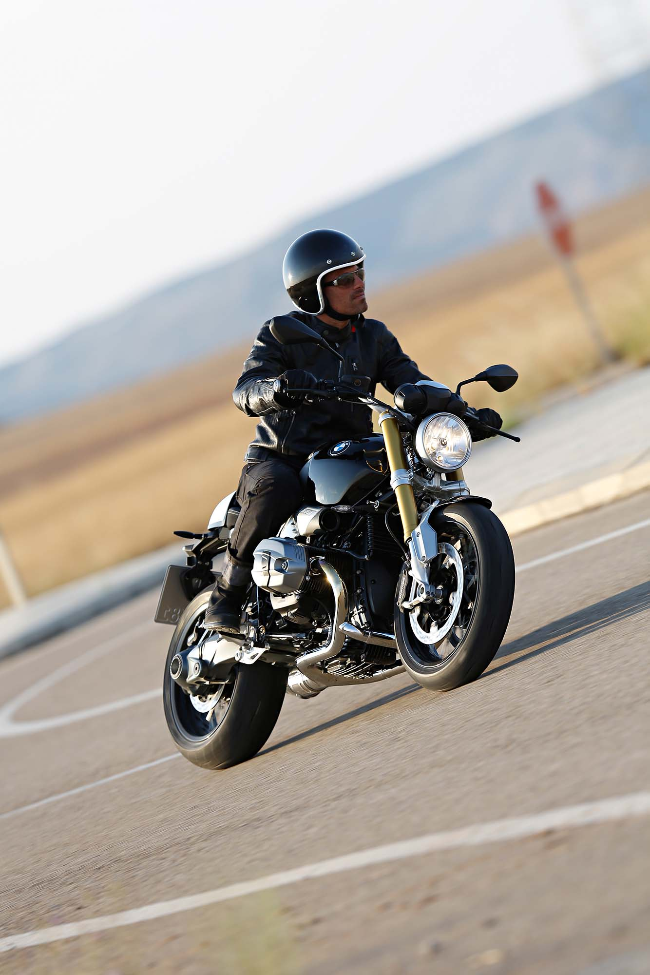 170 hi res photos of the bmw r ninet. Black Bedroom Furniture Sets. Home Design Ideas