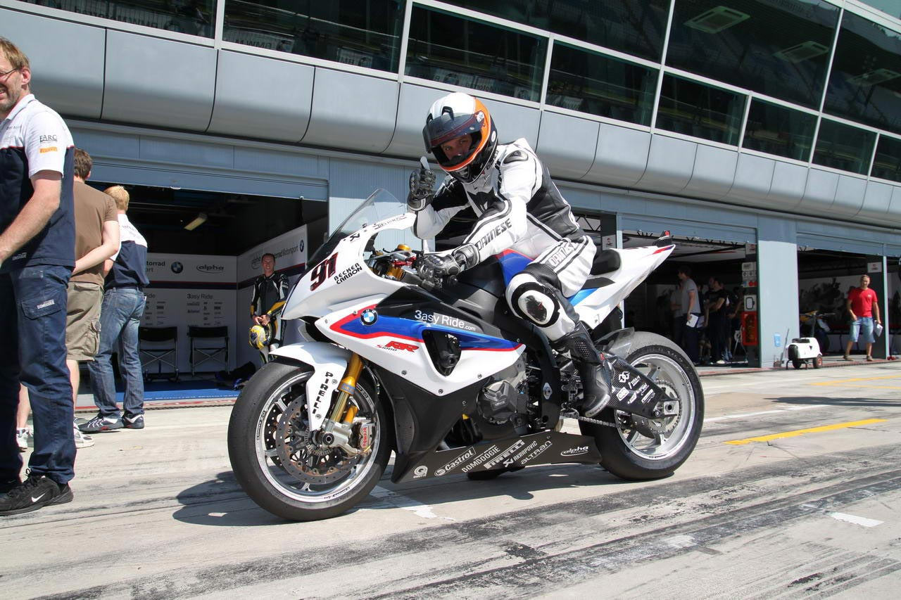 ride review: riding the bmw s1000rr superstock, satellite superbike