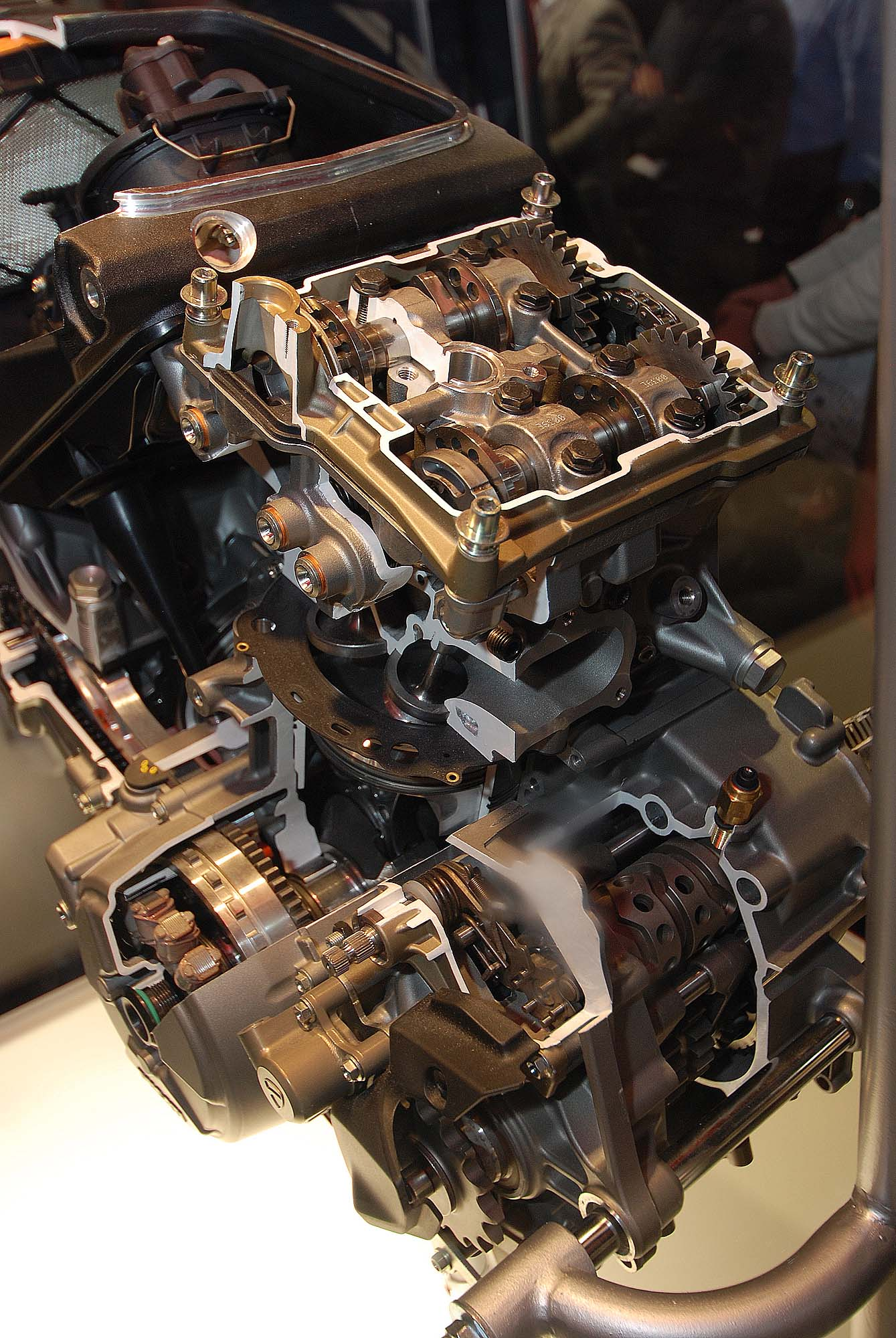 Cutaway Photos Of The Ducati Superquadro Engine Asphalt