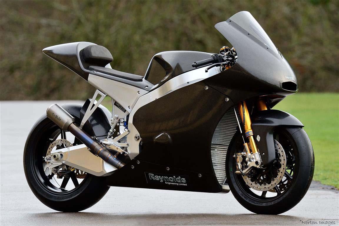 DR Moto - The Ultimate Yamaha R1 Track Bike - Asphalt & Rubber