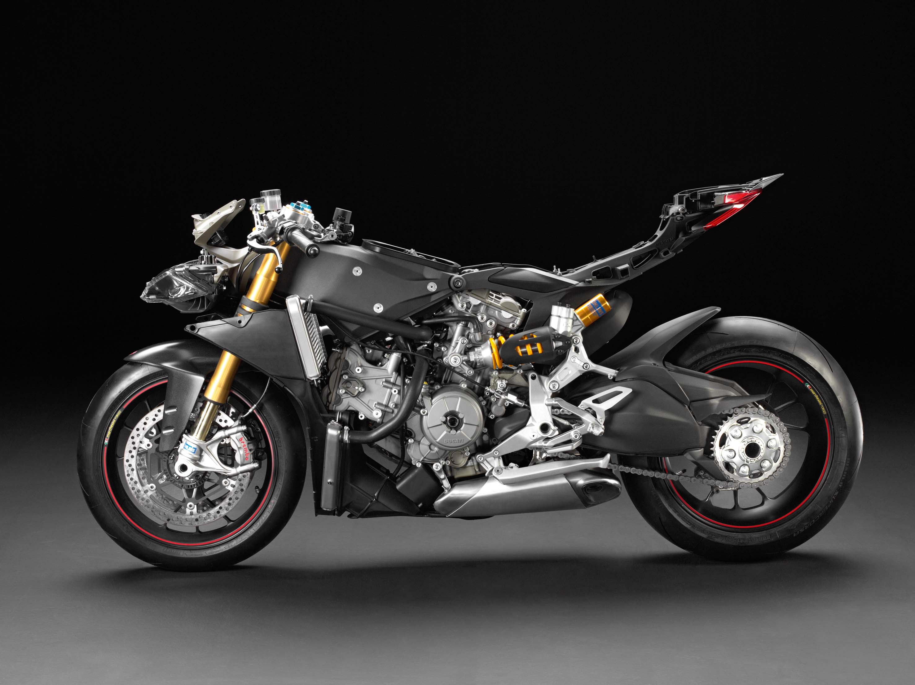 photos underneath the ducati 1199 panigale 39 s fairings asphalt rubber. Black Bedroom Furniture Sets. Home Design Ideas