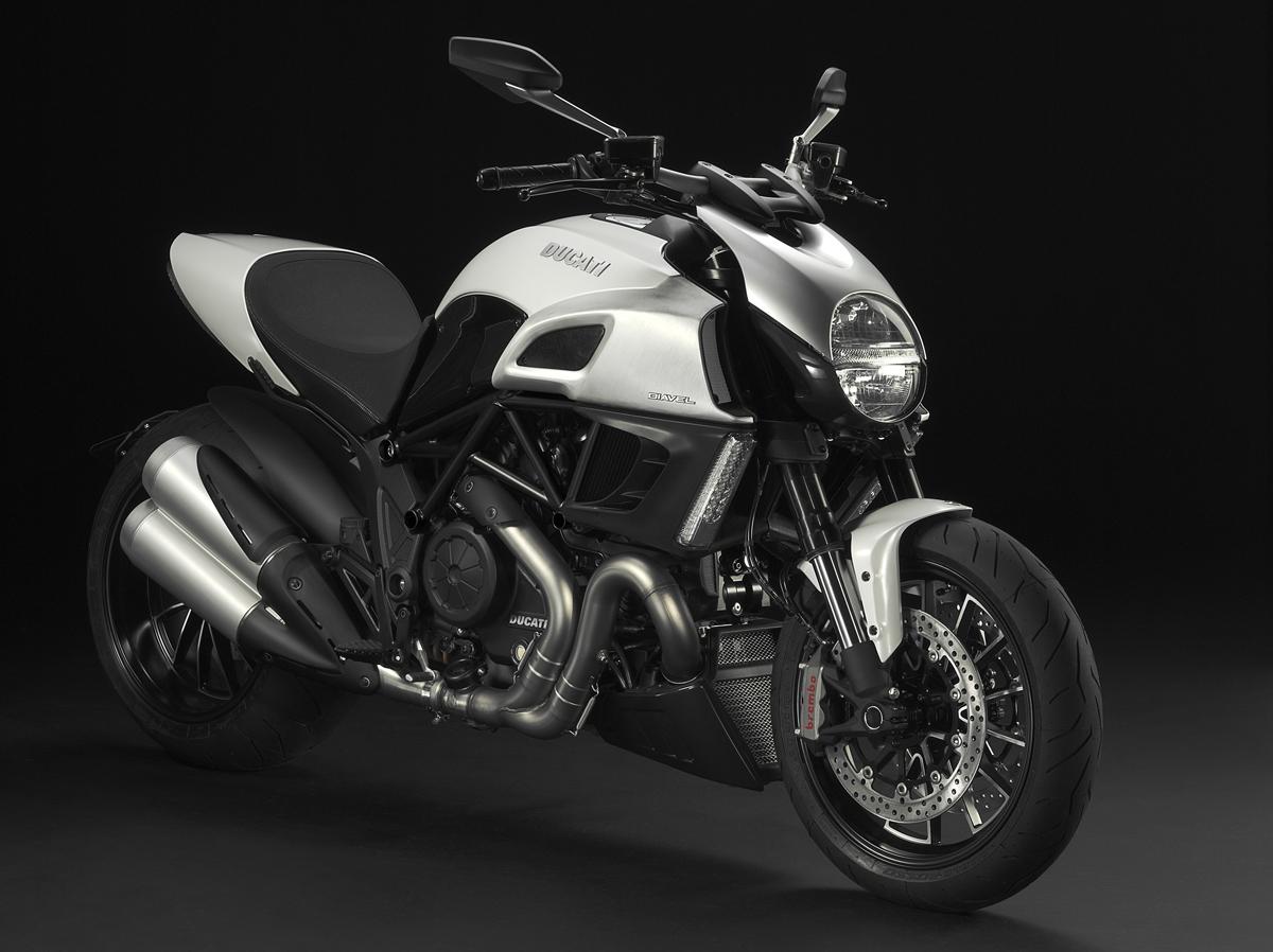 2011 Ducati Diavel Breaks Cover At Eicma Asphalt Rubber