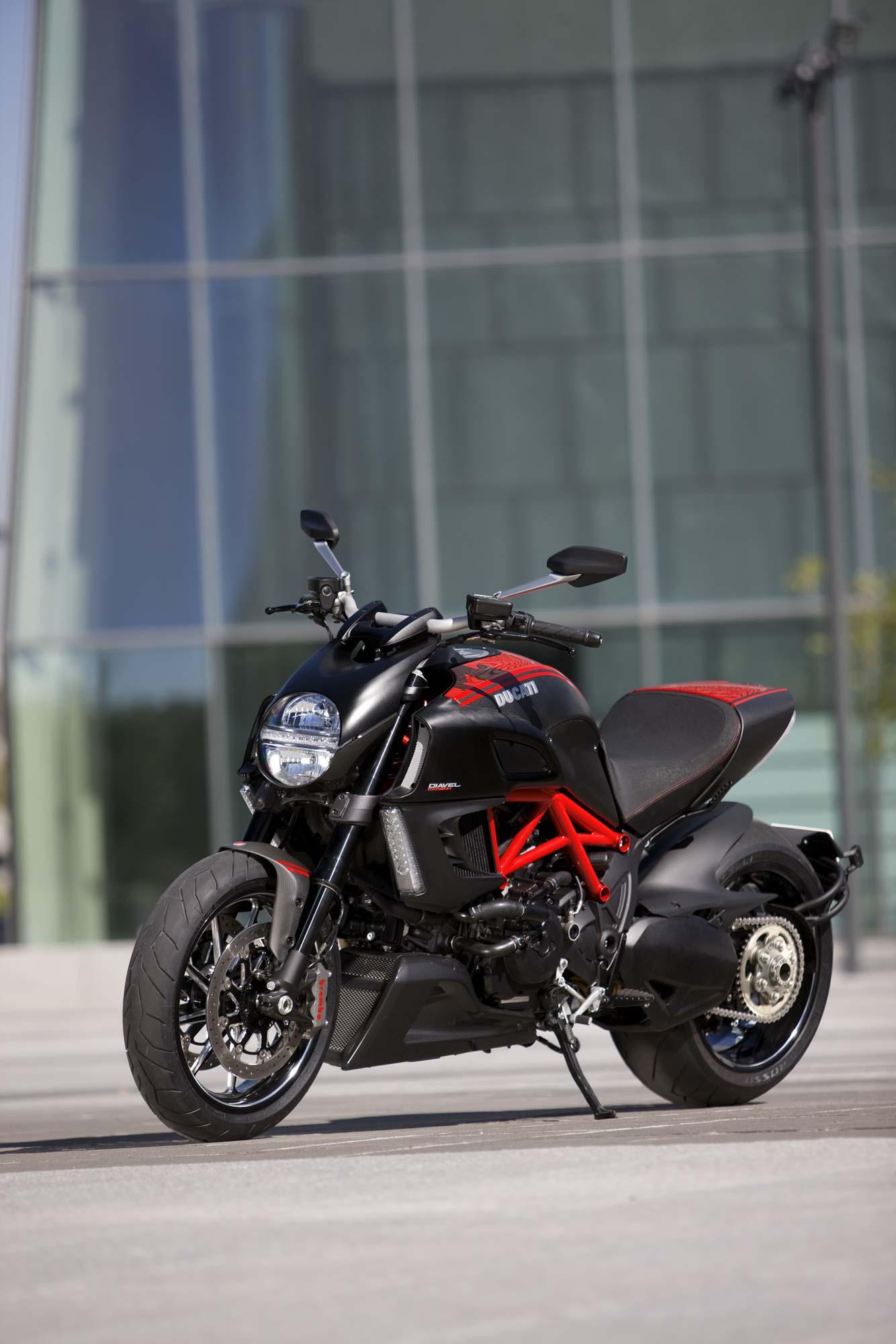 Primer The Ducati Diavel Asphalt Amp Rubber