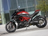 2011-ducati-36-diavel-carbon12