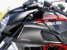 2011-ducati-39-diavel-carbon55