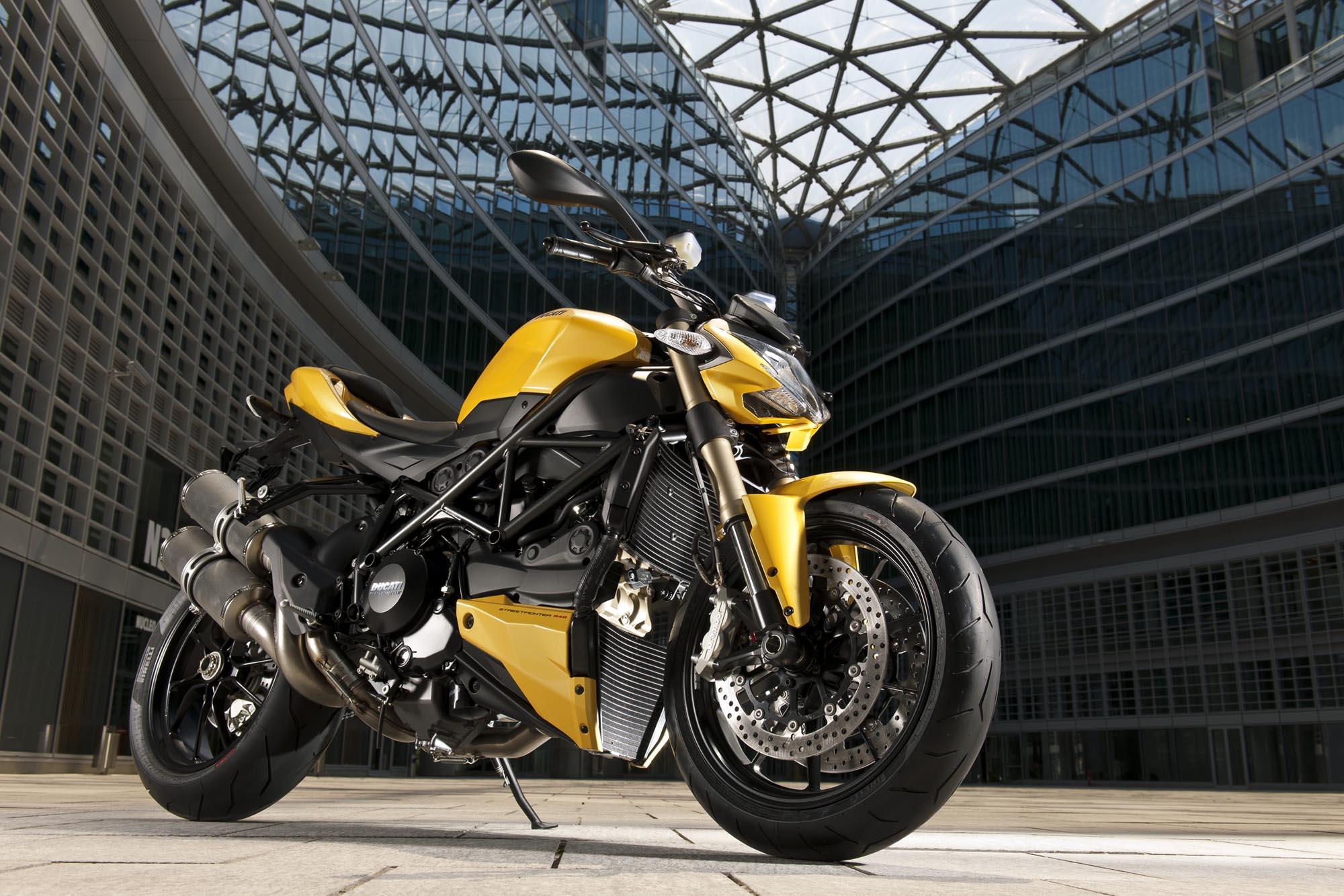 Ducati Streetfighter 848 Mega Gallery