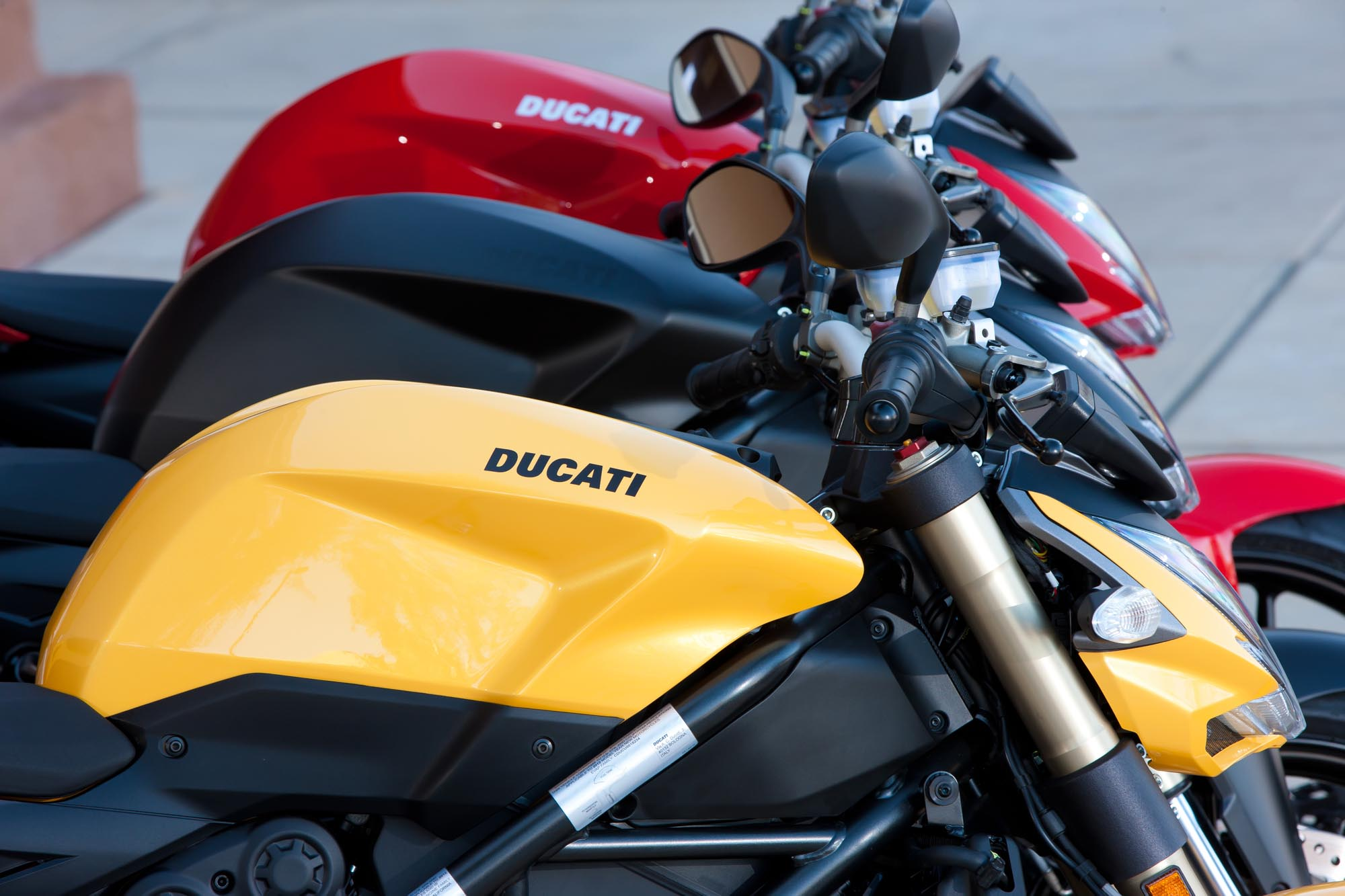 Ride Review: Ducati Streetfighter 848 - Asphalt & Rubber