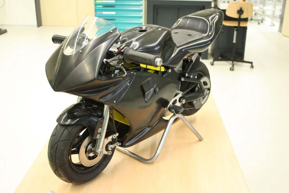 the epo pocket bike is for the kid in all of us asphalt rubber. Black Bedroom Furniture Sets. Home Design Ideas