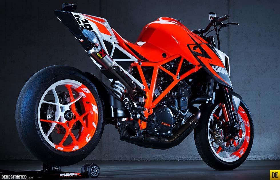 ktm 1290 super duke r prototype concept bike asphalt rubber. Black Bedroom Furniture Sets. Home Design Ideas