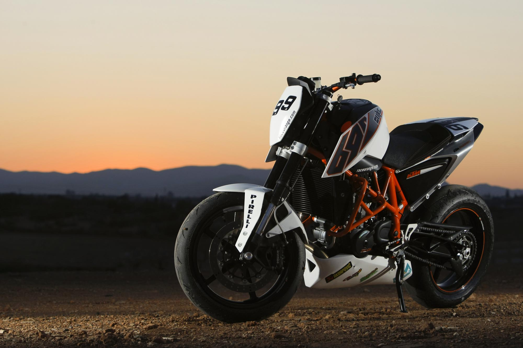 ktm 690 duke track asphalt rubber. Black Bedroom Furniture Sets. Home Design Ideas